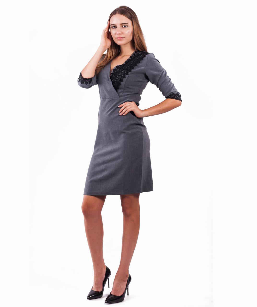 Платье женское со вставками из кружева