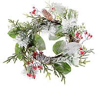 Декоративный венок из искусственных листьев и ягод с шишками, 40см, цвет - заснеженный зеленый, набор 4 шт