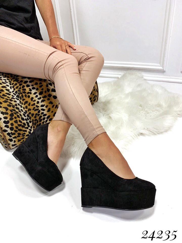 Туфли Mei de li на платформе . Цвет: чёрный 40 размеры
