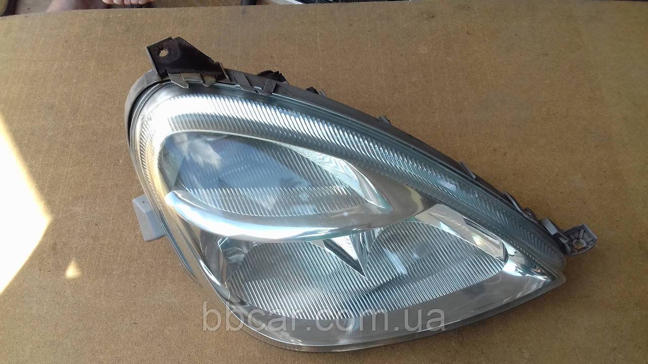 Фара Mercedes Benz A-Class Automotive Lighting  A 168 820 18 61 ( R )