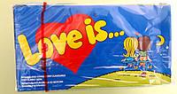 Жевательная резинка Love is... банан и клубника 100 штук