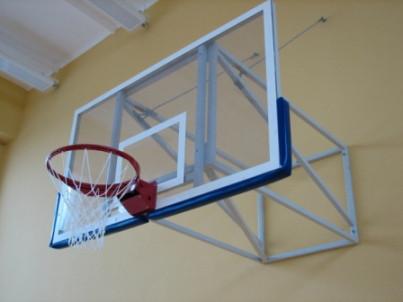 Щит баскетбольный игровой 1800х1050 мм (оргстекло 10мм) с силовой антивибрационной рамой