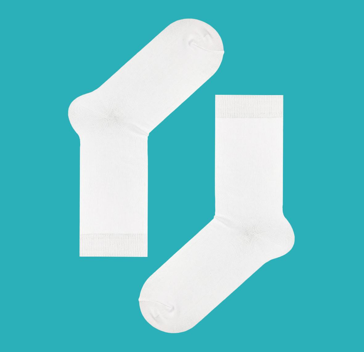 Классические носки белого цвета