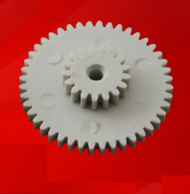 Шестерня спидометра одометра BMW 5 E34 44 и 17 зубьев