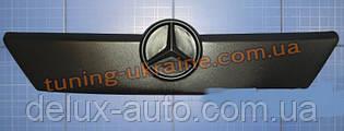 Зимняя заглушка на решетку радиатора на Mercedes Sprinter 2000-2002 верх мат