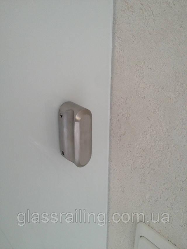 Steklyannaya razdvijnaya dver