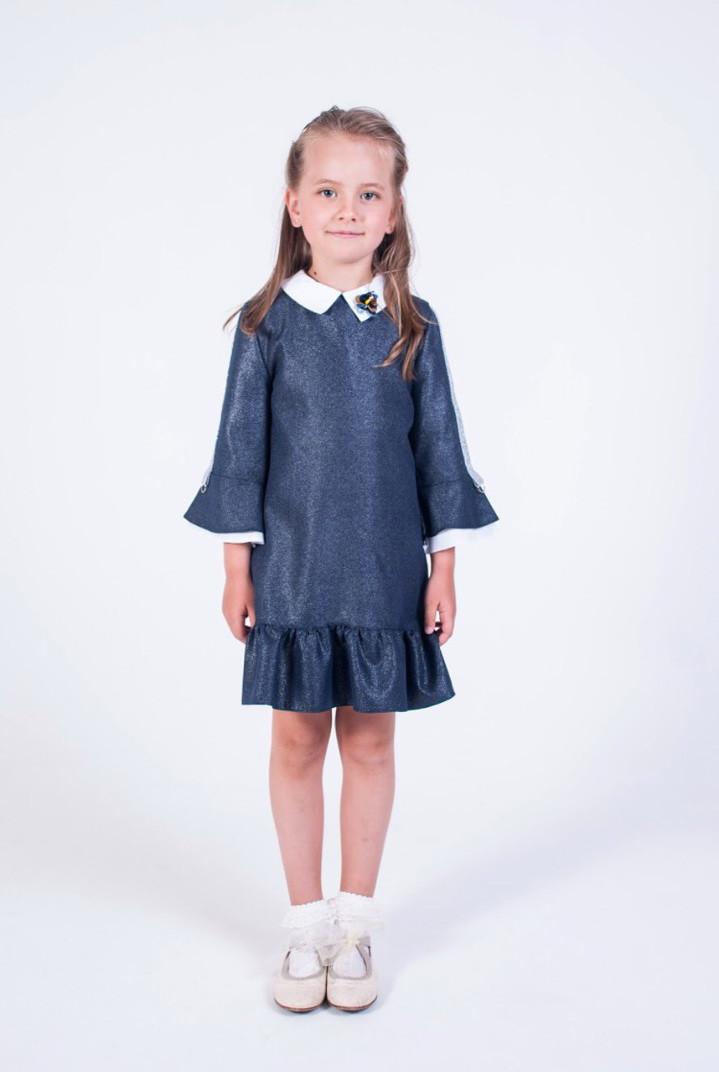 Дитячий шкільний красивий синій сарафан з воланами і брошкою