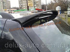 Задний спойлер на Renault Sandero 2008-12