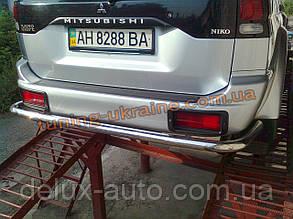 Защита заднего бампера труба прямая D60 на Mitsubishi Pagero Sport 2002-2008