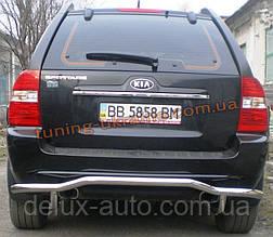 Защита заднего бампера труба изогнутая D60 на Kia Sportage 2004-2010