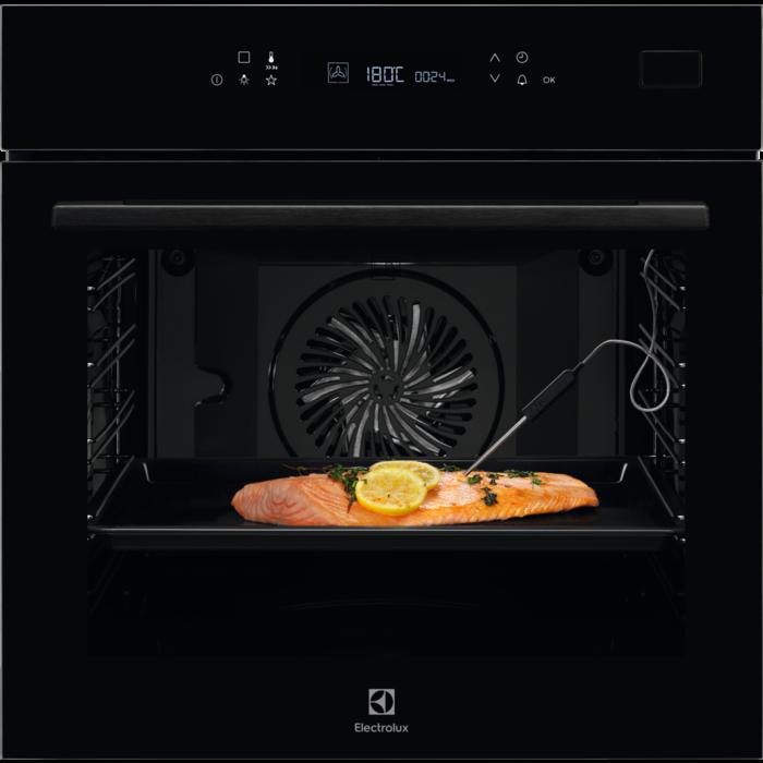 Встраиваемая духовка с функцией паровой печи Electrolux EOB7S31Z