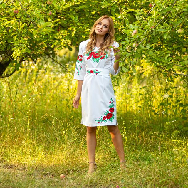 Женское белое платье вышиванка с маками Соломия