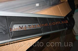 Боковые площадки из алюминия RedLine V2 с надписью для Mercedes Vito 2010-2014 Long