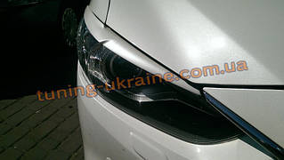 Реснички на фары передние из ABS пластика на Mazda 6 2012