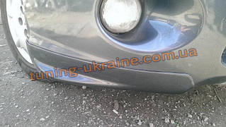 Накладки на передний бампер уголки из ABS пластика на Mitsubishi Grandis 2003-2011