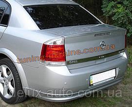 Спойлер на крышку багажника из ABS пластика на Opel Vectra C 2002-2008