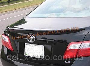 Спойлер на крышку багажника из ABS пластика на Toyota Camry XV40 2006-2011