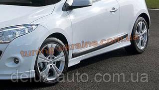 Накладки на пороги под покраску на Renault Megane 3 2008-2015