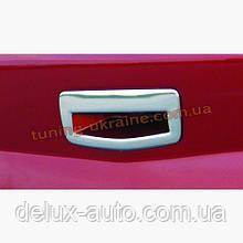 Накладка на ручку багажника Carmos на Renault Megane 2 2002-2009 седан