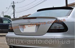 Спойлер-сабля Lorincer из стеклопластика на Mercedes E W211 2002-2009