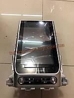 Магнитола дизайн Tesla на Toyota LC 200 2008-2012