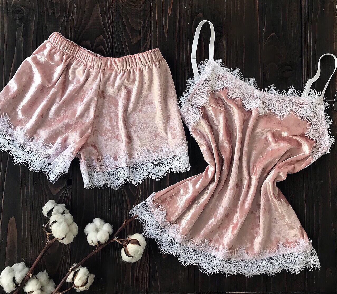 Пижама бархатная пудра L размер