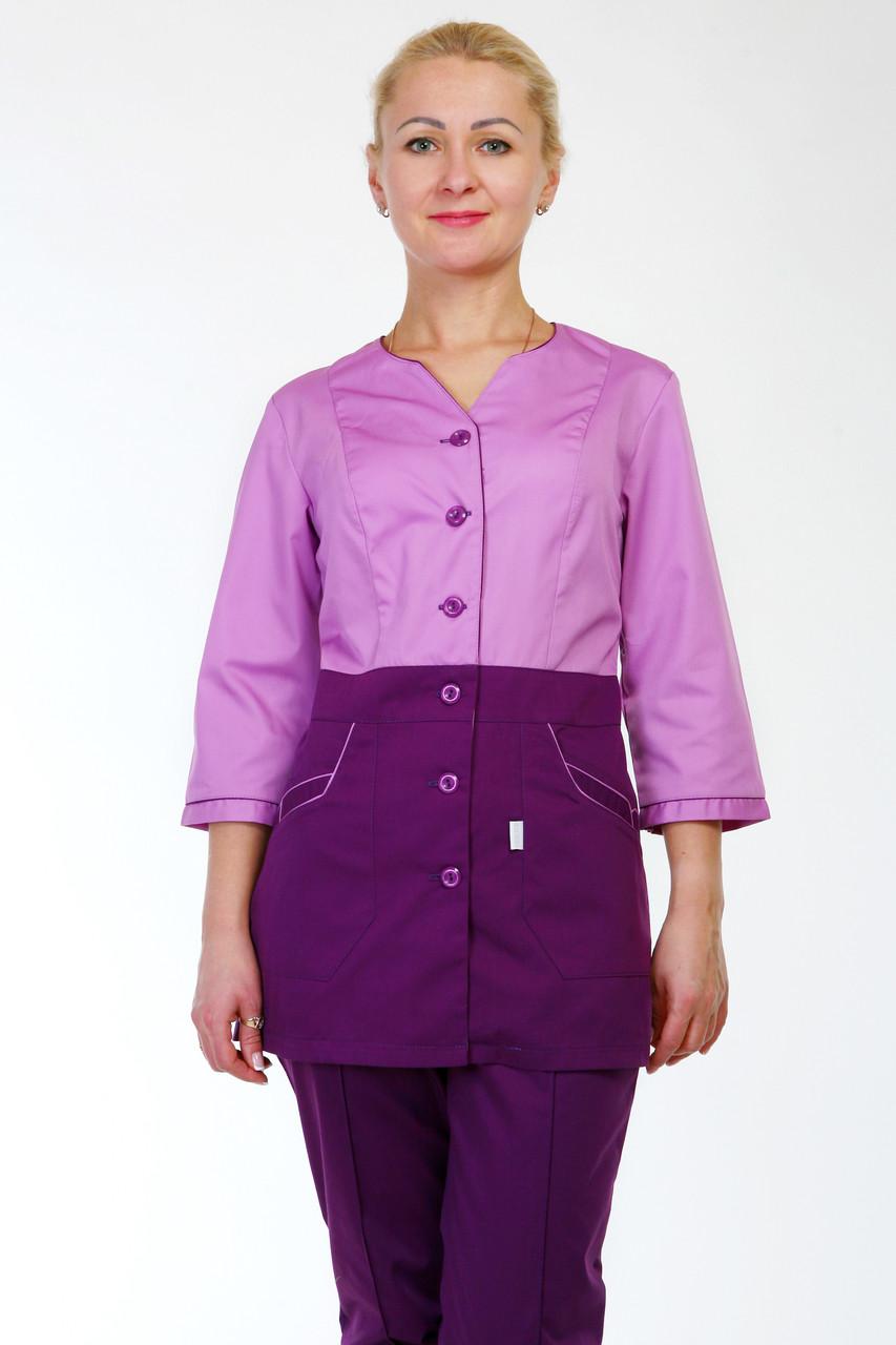 Комбинированный женский медицинский костюм на пуговицах