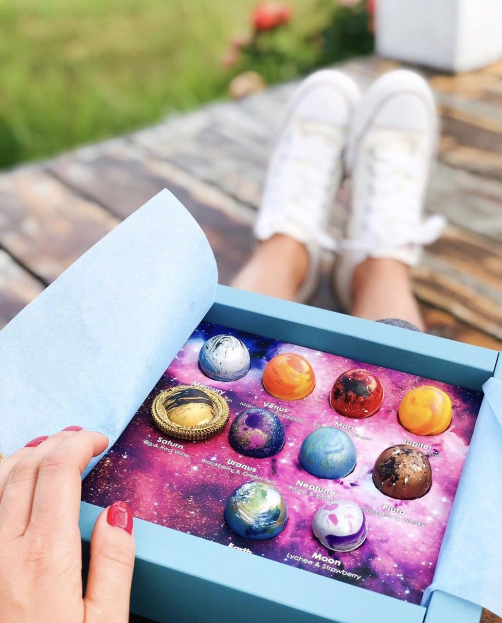 Оригинальный подарок для мужчин и девушек - Конфеты Космос и луна