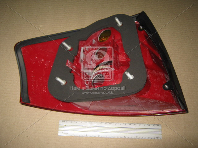 Фонарь правый AUDI A6 (Ауди А6) 1997-2000 (пр-во DEPO)