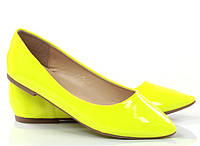 Модные Женские балетки, лодочки туфли , туфли, на плоской подошве от производителя  желтого цвета. размер39,40