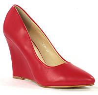 Елегантные туфли красного цвета на платформе. Очень стильные!
