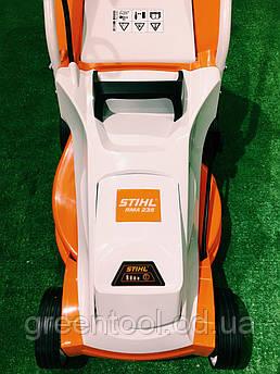 Аккумуляторная газонокосилка STIHL RMA 235 SET