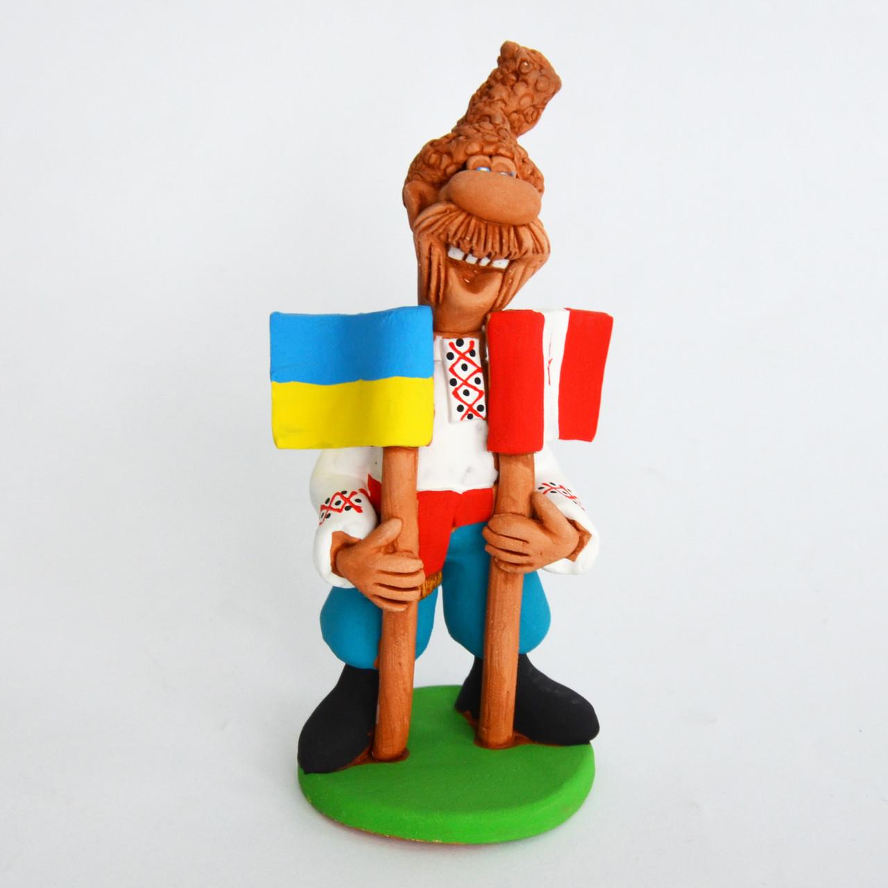 Глиняная статуэтка. Козак с двумя флагами (Украина, Канада). Украинский сувенир