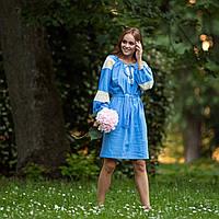 Платье с кружевом в украинском стиле синего цвета