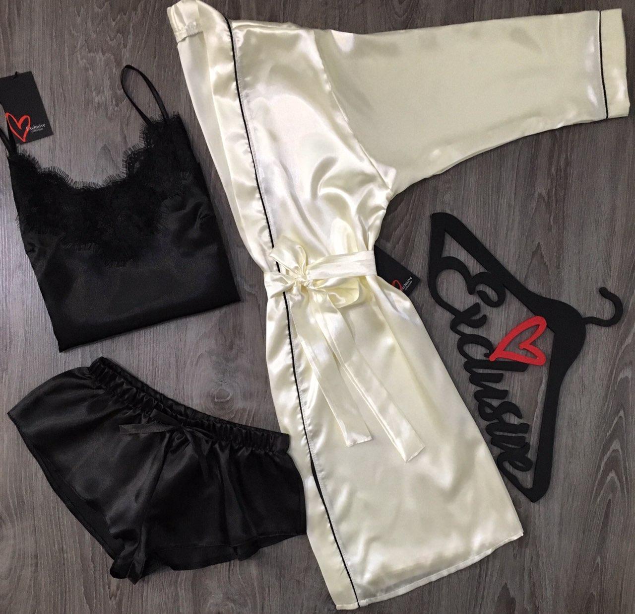 Халат+пижама-атласный комплект с кружевом.