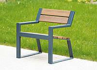 Кресло деревянное с металлическими ножками