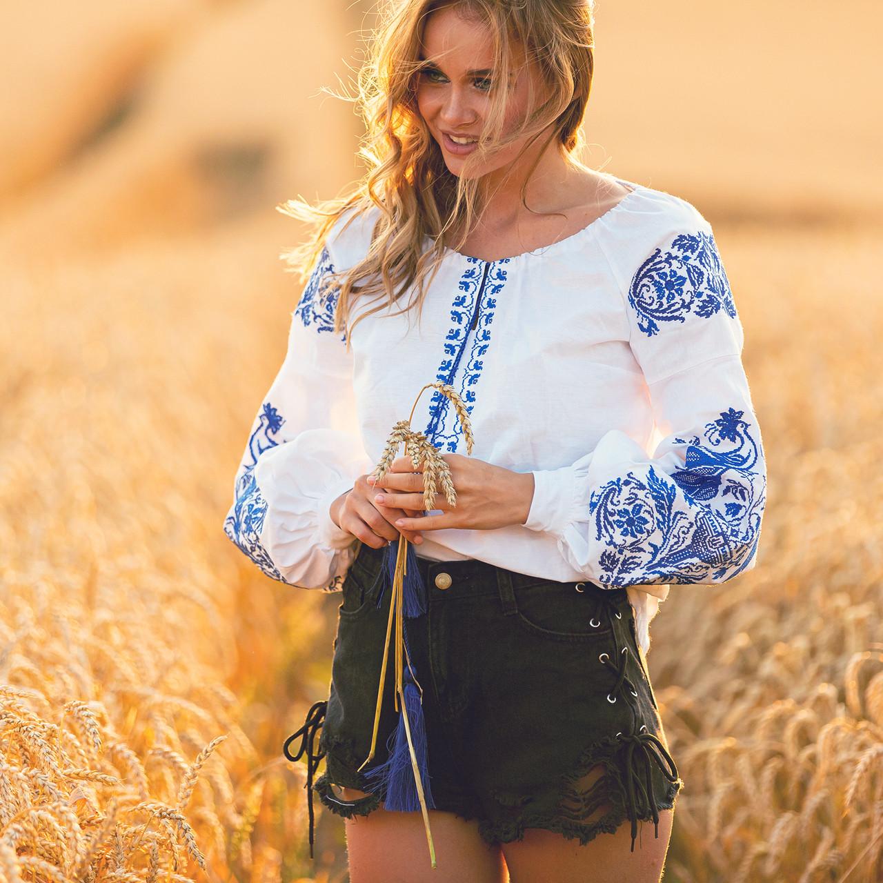 Белая женская рубашка вышиванка Жарптица с синей вышивкой