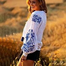 Белая женская рубашка вышиванка Жарптица с синей вышивкой, фото 3
