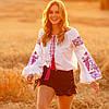 Біла жіноча вишиванка Жарптиця з малиновою вишивкою, фото 4
