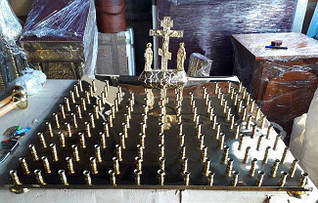 Крышка панихидного стола из булата на 130 свечей