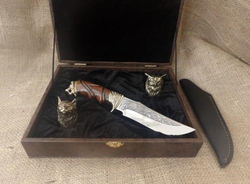 """Подарунковий набір бронзових стопок """"Мисливські"""" 2 шт., з ножем, у футлярі з еко-шкіри"""