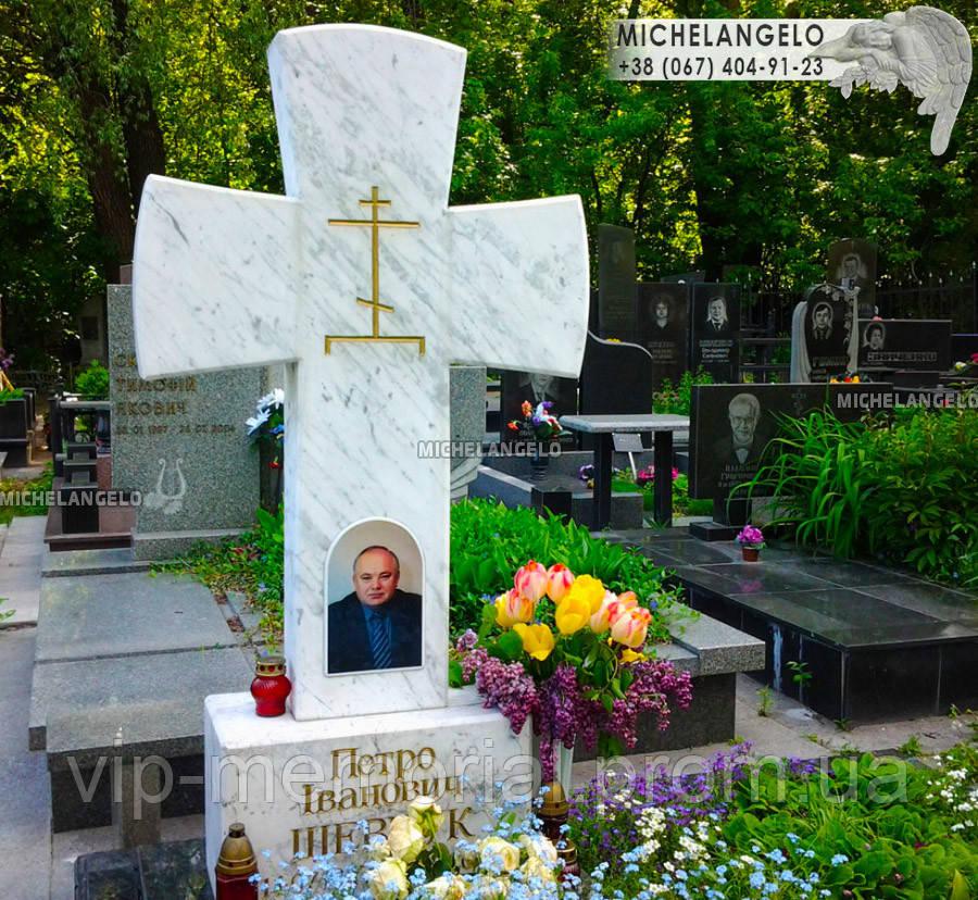 Крест на могилу мраморный