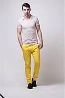 Популярные во всем мире брюки Чинос. Практичная модель из плотного цветного хлопка. Два боковых кармана нужной