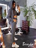 Женский стильный спортивный костюм-тройка: мастерка с капюшоном, топ и брюки (в расцветках), фото 7