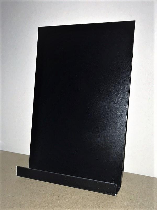 Доска меловая на холодильник 30х15 см. Магнитная. С полочкой для маркера.