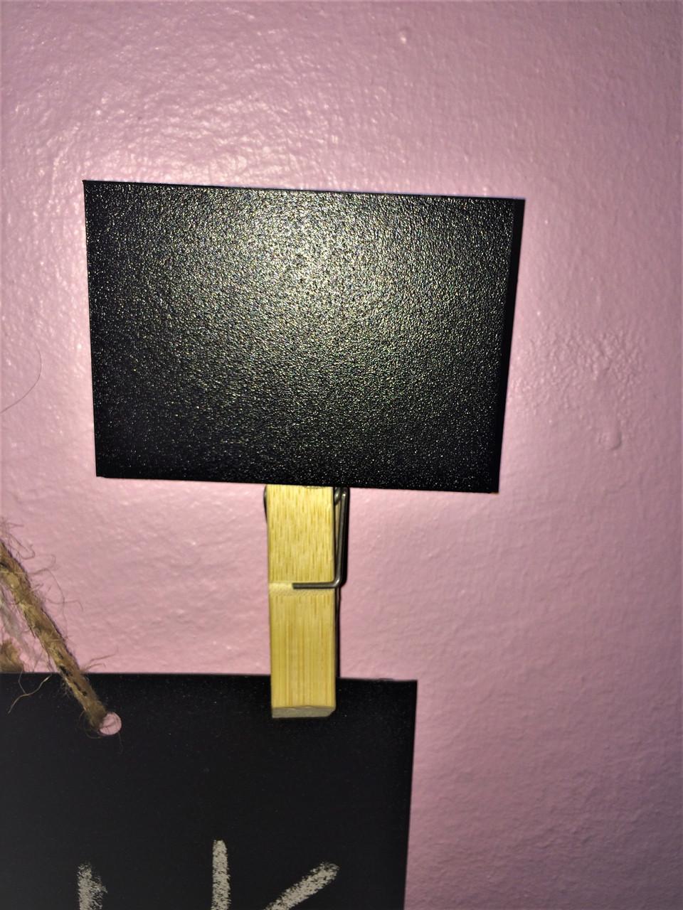Меловой ценник 5х7 см с прищепкой-держателем для надписей мелом и маркером. Грифельная табличка на прищепке
