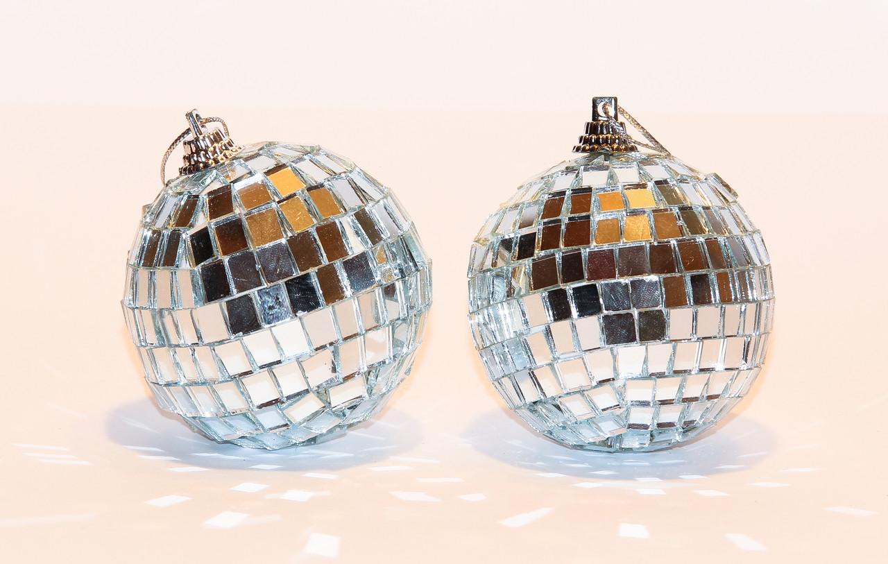 """Набор елочных игрушек - шары зеркальные """"Диско"""", 2 шт, D6 см, серебристый, пластик (031658)"""