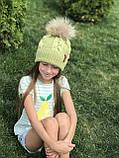 Вязаная шапка ручной работы с натуральным бубоном., фото 2