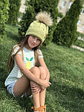 Вязаная шапка ручной работы с натуральным бубоном., фото 3