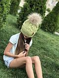 Вязаная шапка ручной работы с натуральным бубоном., фото 5